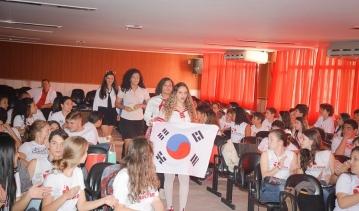 Alunos da 2ª Série do Ensino Médio simulam uma Conferência da ONU