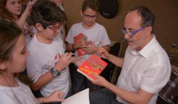 Bate papo com o escritor Toni Brandão